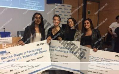 """Entrega de II Becas Dermitek """"Mujer y Tecnología 2019"""""""