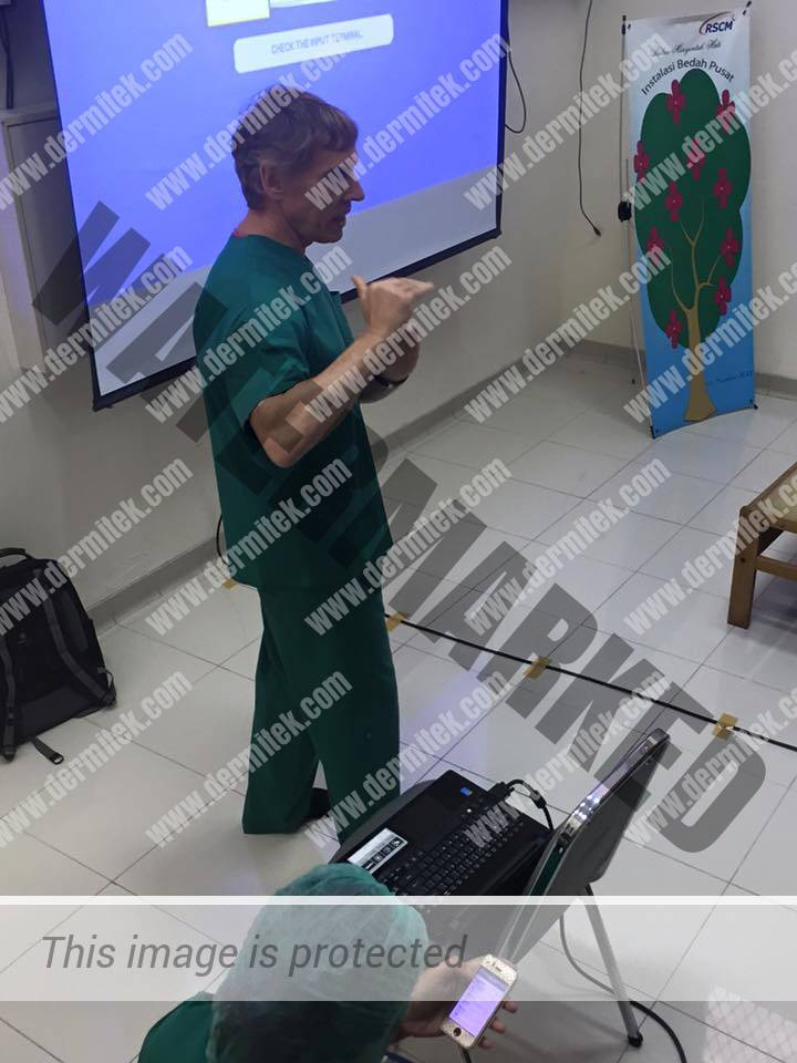 curso de varices con láser endovenoso impartido por el Dr. Azpiazu en Yakarta
