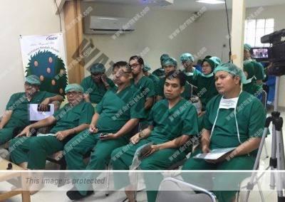 Curso de varices con láser endovenoso impartido por el Dr. Jose Luis Azpiazu en Indonesia