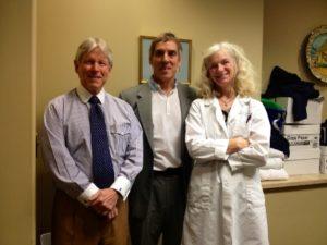 El Dr. Azpiazu en el Morrison Vein Institute en USA con el Dr. Nick Morrison y con Diana Neuhardt.