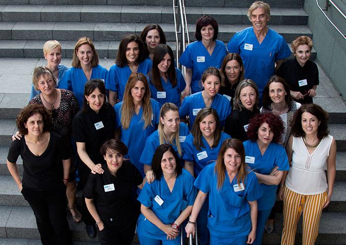 Equipo médico de la clínica estética Dermitek en Bilbao.